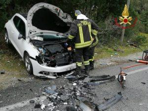 Incidente sulla Litoranea ad Ostia, scontro tra tre auto: du