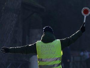 Roma |  allarme smog |  venerdì 17 gennaio blocco di  tutti diesel e dei veicoli più