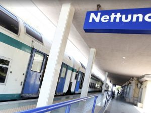 Incendio sulla linea Roma Nettuno: treni in ritardo, traffic