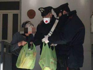 Anziana sola in casa, digiuna da giorni: i carabinieri la so
