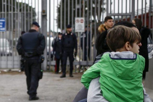 """Coronavirus, protesta nel carcere di Rebibbia: """"Positivi 4 s"""
