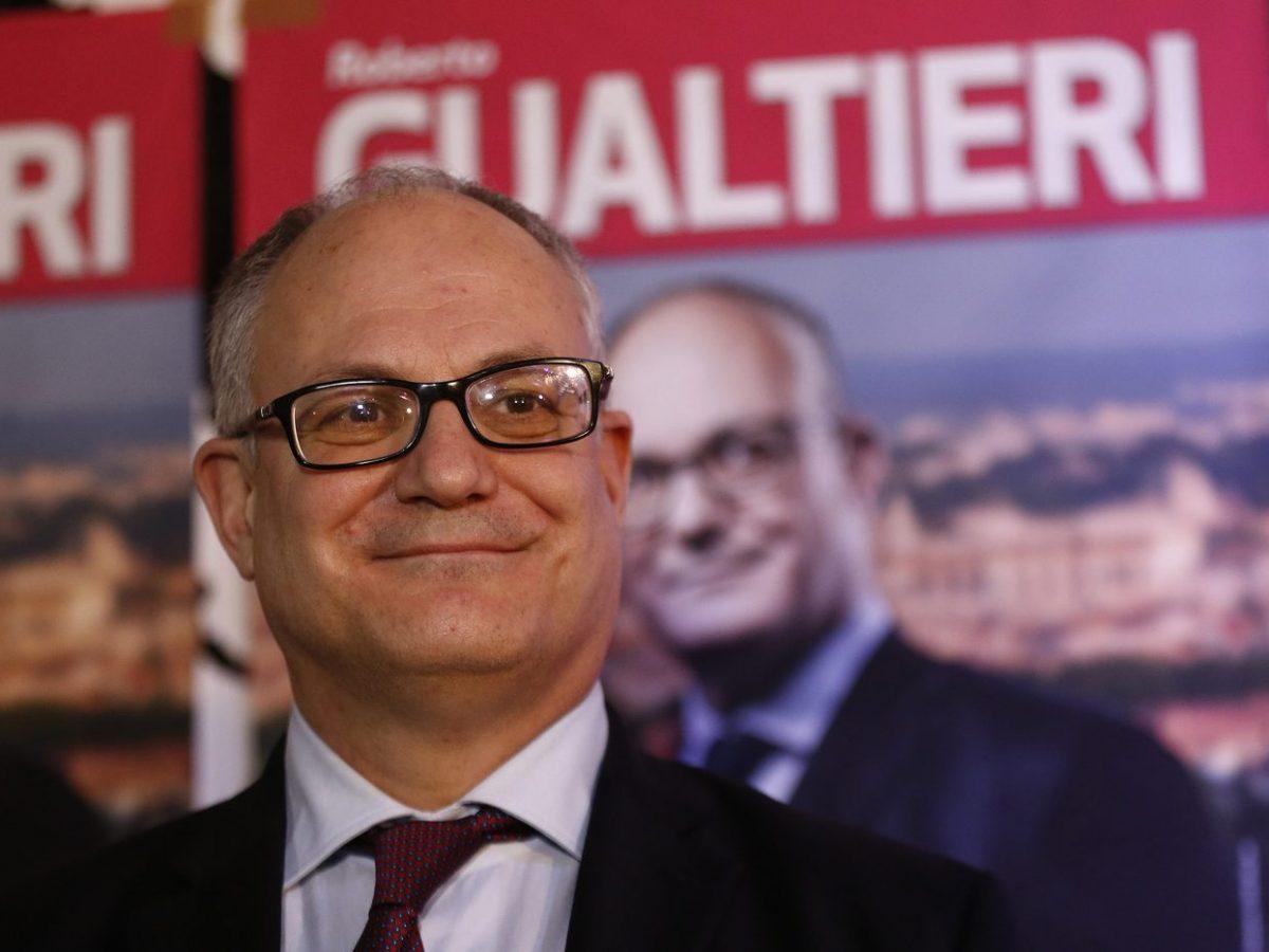 Arriva la conferma: l'ex ministro Roberto Gualtieri studia da sindaco di  Roma