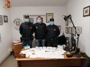 Casal Bertone, vendeva mascherine illegali sfruttando l'emer