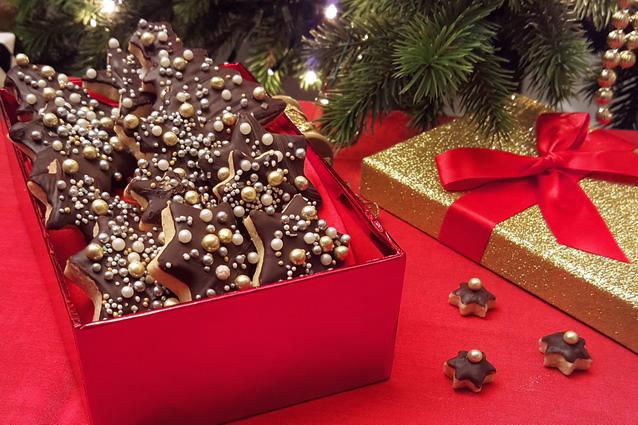 biscotti di natale con glassa al cioccolato un regalo perfetto - Decorazioni Con Biscotti