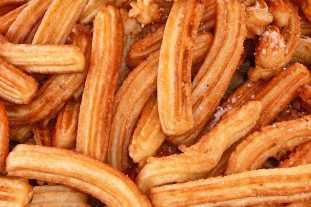 Extrêmement Churros spagnoli: la ricetta originale delle tapas dolci VJ81