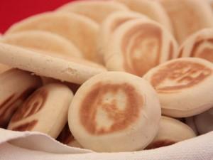 Tigelle: la ricetta originale delle crescentine modenesi