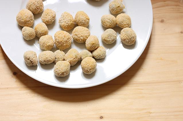 Polpette di ricotta ricetta facile per un antipasto - Cucina fan page ...