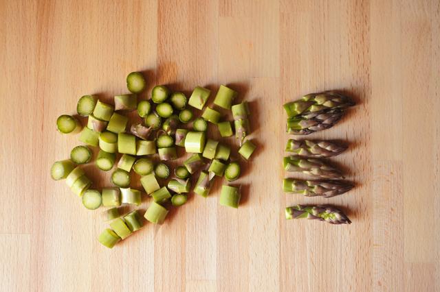 Fare a rondelle gli asparagi