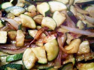 Zucchine in padella: ricetta sfiziosa e veloce da preparare