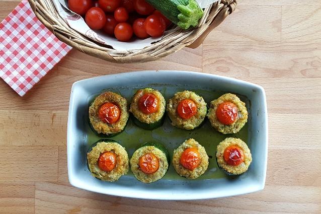 Zucchine ripiene vegetariane la ricetta con menta e formaggio - Cucina fan page ...