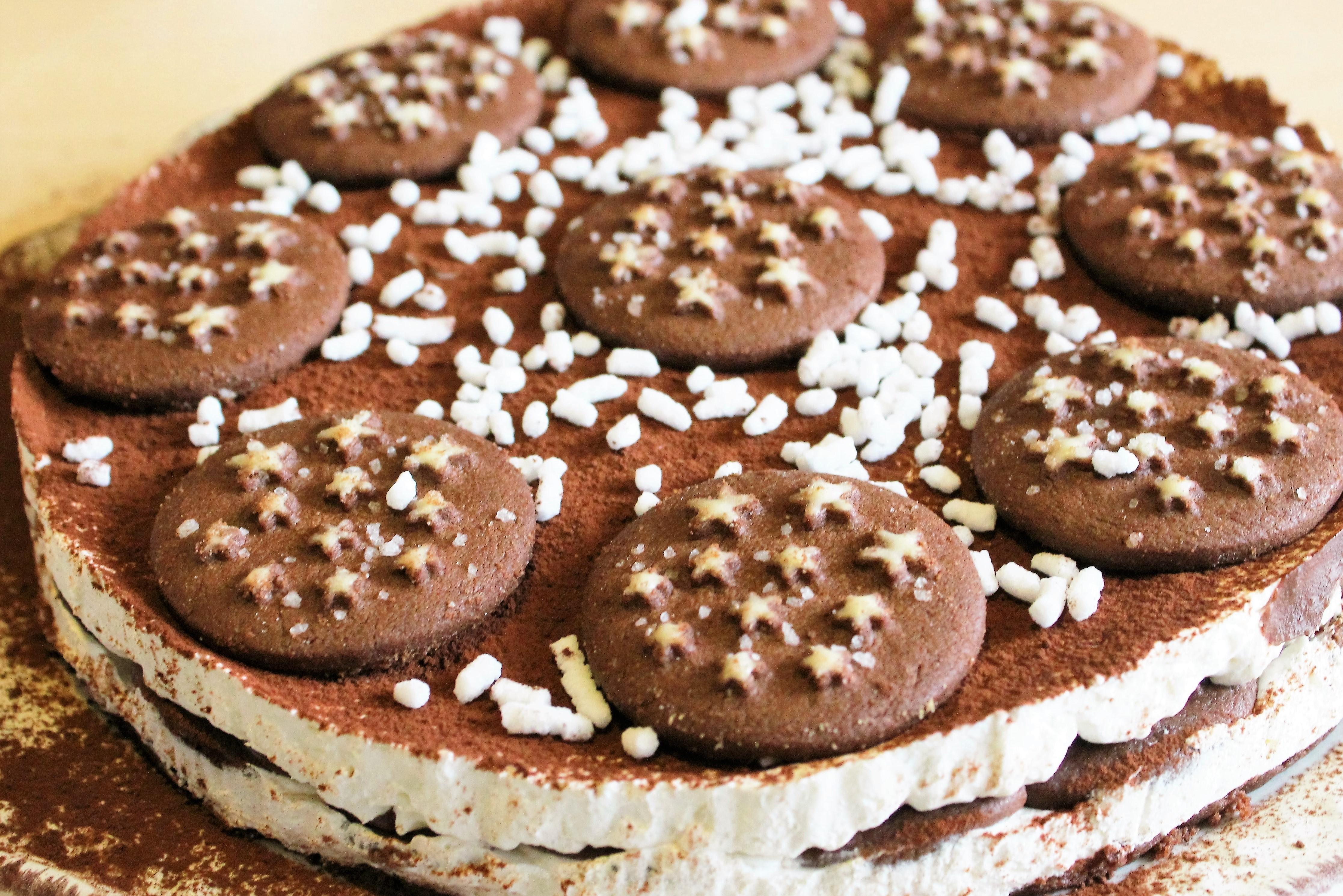 6a9d8117f9b1 Torta pan di stelle  la ricetta facile e golosa senza cottura