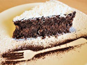 Torta caprese: la ricetta originale e i consigli per non sbagliarla
