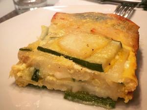 Parmigiana di zucchine e patate: la ricetta per prepararla leggera e gustosa