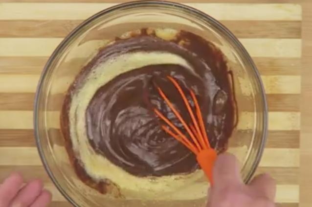 Tortino al cioccolato con cuore morbido la ricetta veloce da preparare - Cucina fanpage facebook ...