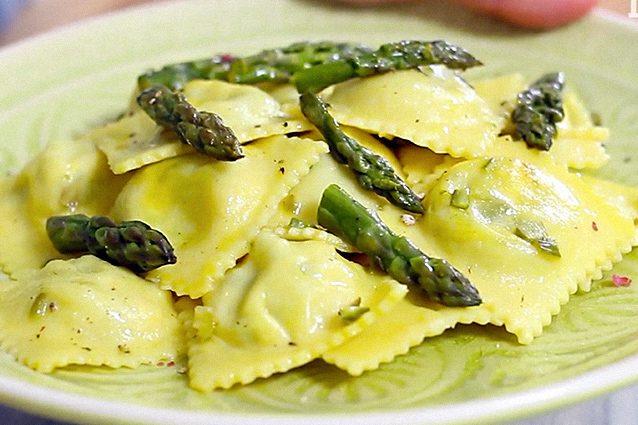 Ricette primi piatti con crema di asparagi ricette popolari della cucina italiana - Cucina fanpage secondi piatti ...
