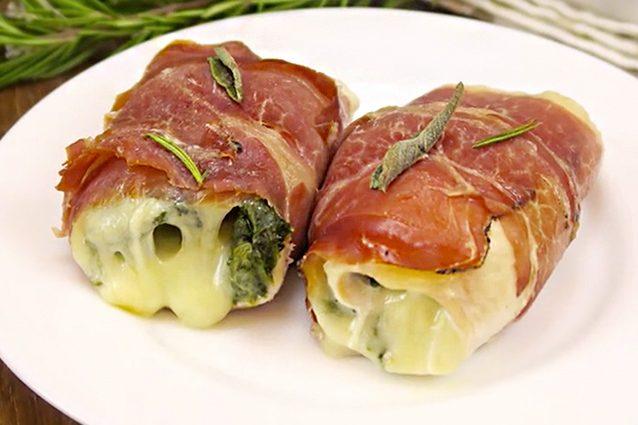Involtini di pollo e speck la ricetta veloce per un for Secondi di carne