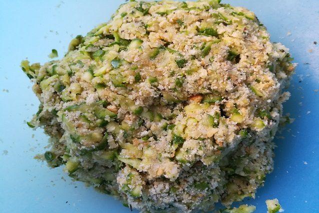 Polpette di zucchine la ricetta di un finger food irresistibile - Cucina fanpage facebook ...