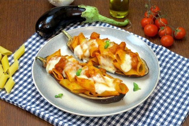 Pasta con le melanzane la ricetta del primo piatto veloce for Ricette primi piatti veloci bimby