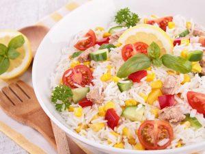 Insalata di riso: 5 alternative fresche e originali da provare