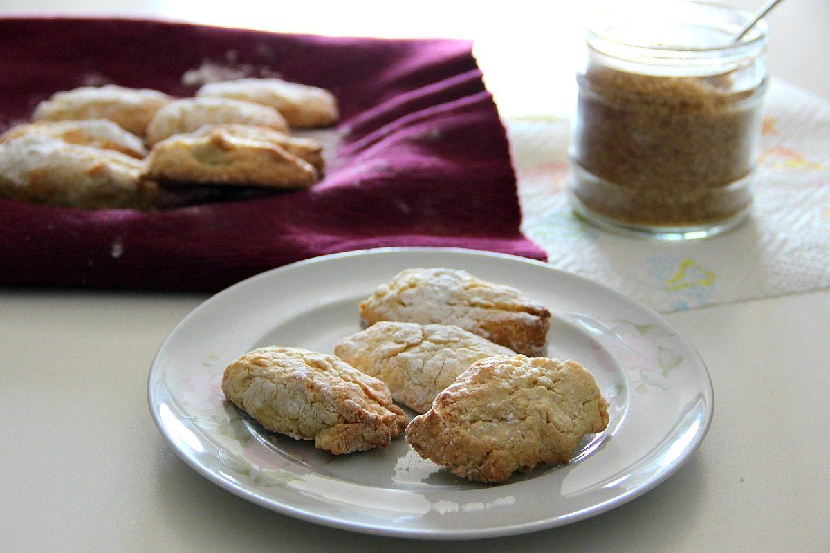 Disegno cucina tipica triestina : Ricciarelli la ricetta tipica del biscotto senese da fare in casa