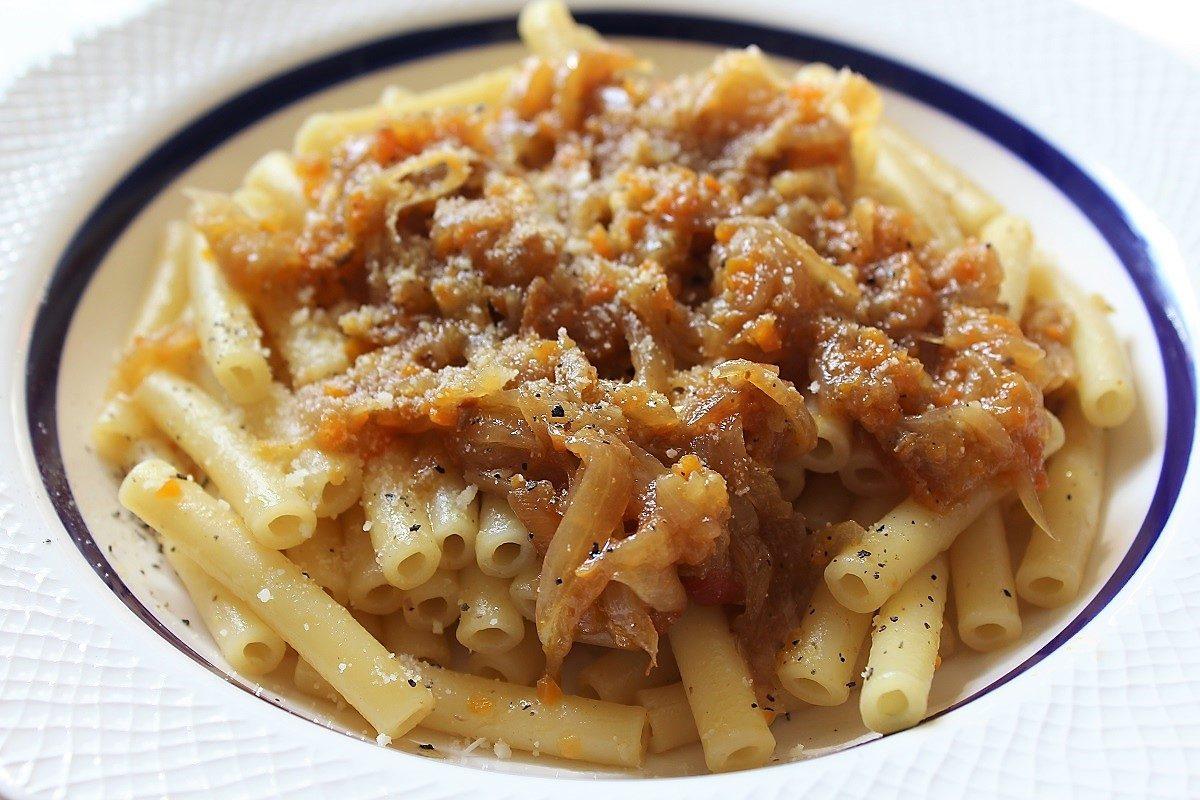 Pasta alla genovese la ricetta originale napoletana for Ricette per pasta