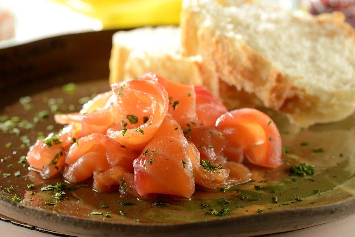 Tortino di salmone la ricetta per una cenetta gustosa e - Cucina fanpage ricette ...