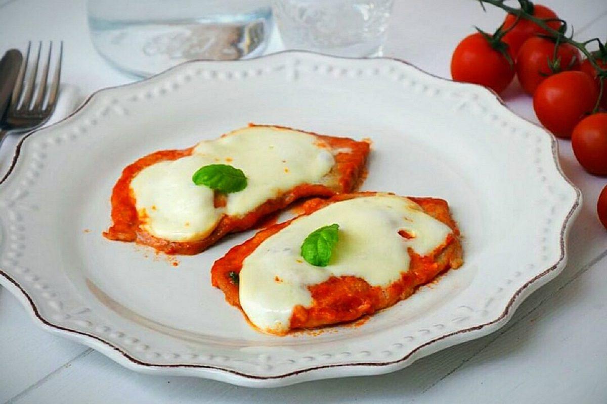 Triangoli di mozzarella in carrozza la ricetta facile e gustosa - Cucina fanpage ricette ...