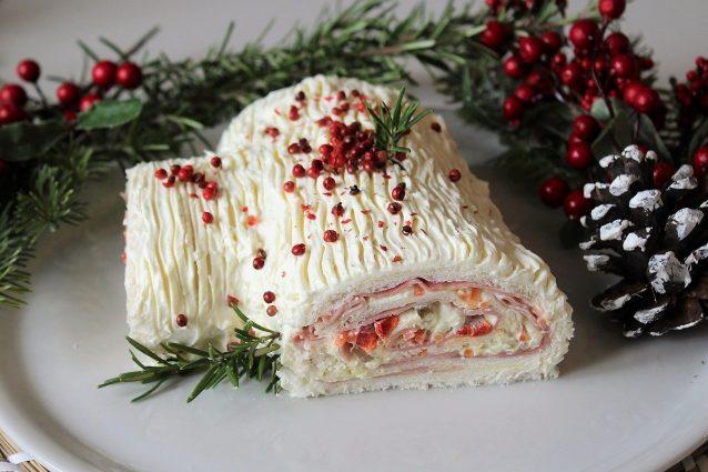 Ricetta Tronchetto Di Natale Per 10 Persone.Tronchetto Di Natale Con Crema Di Castagne La Ricetta Del Dolce Morbido