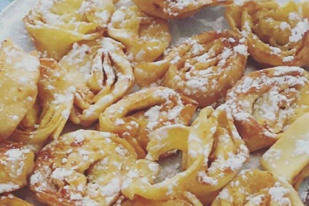 Tagliatelle dolci di carnevale la ricetta del dolce fritto tipico dell 39 emilia romagna - Cucina fanpage secondi piatti ...