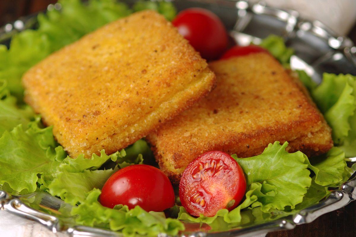 Triangoli di mozzarella in carrozza la ricetta facile e - Cucina fanpage ricette ...