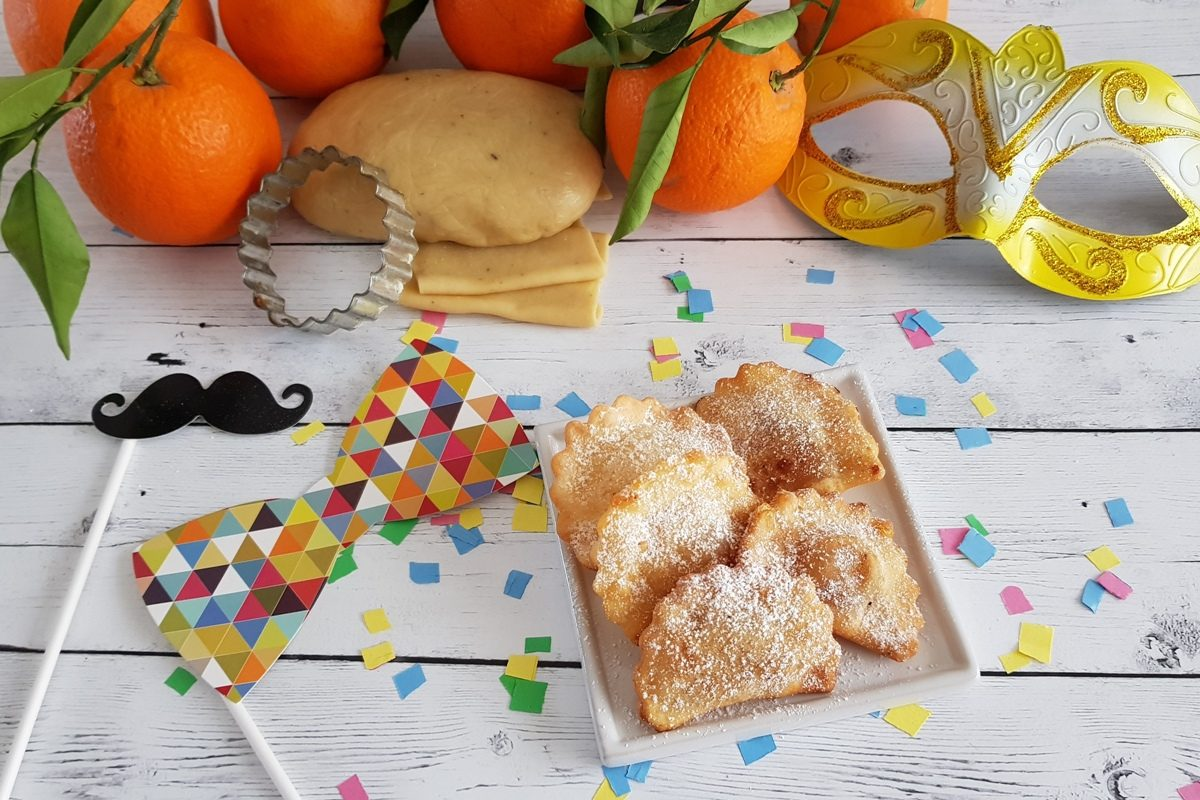 Dolci Da Credenza Bombe E Ciambelle : Ravioli dolci di carnevale la ricetta dei tipici pasta