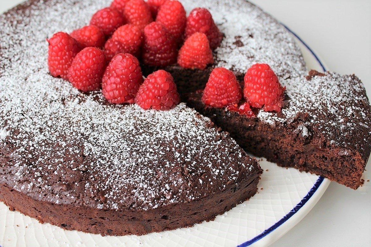 Torta pere e cioccolato con cuore morbido il trucchetto che proverete tutti - Cucina fanpage ricette ...