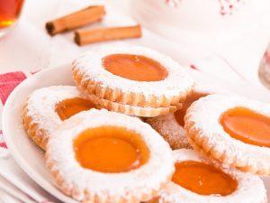 Biscotti occhio di bue: la ricetta dei dolcetti con morbido ripieno