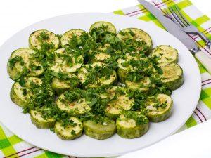 Zucchine trifolate: la ricetta del contorno velocissimo e facile da preparare