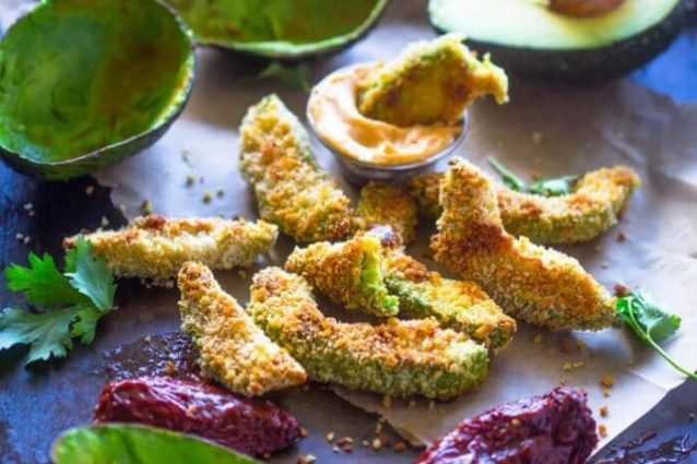 Crispy Baked Avocado Fries & Chipotle Dipping Sauce | Cookist