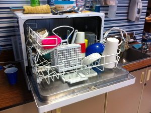 Did you know you can wash these objects in the dishwasher?