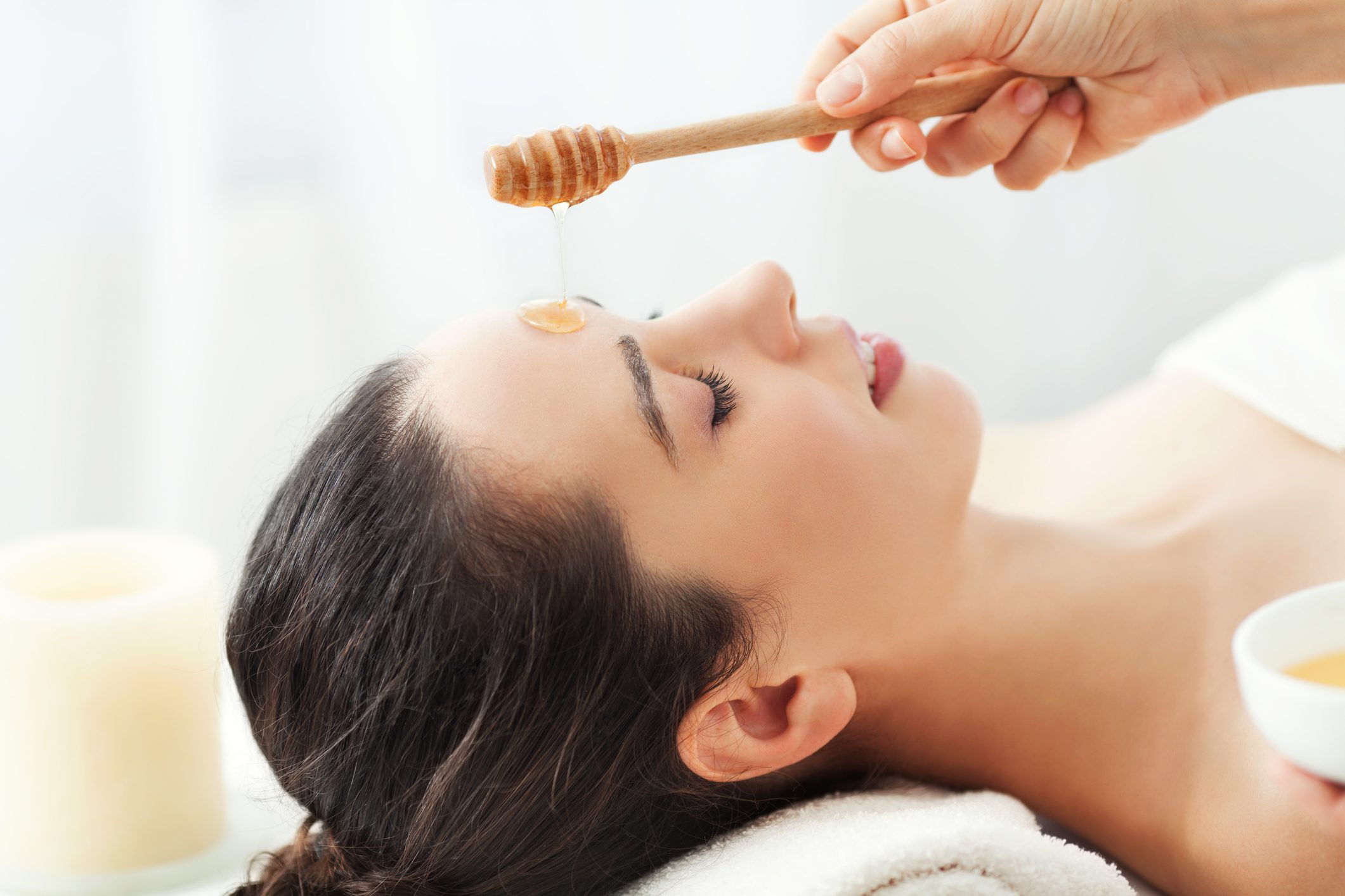 9 Ways Honey Can Up Your Beauty Game