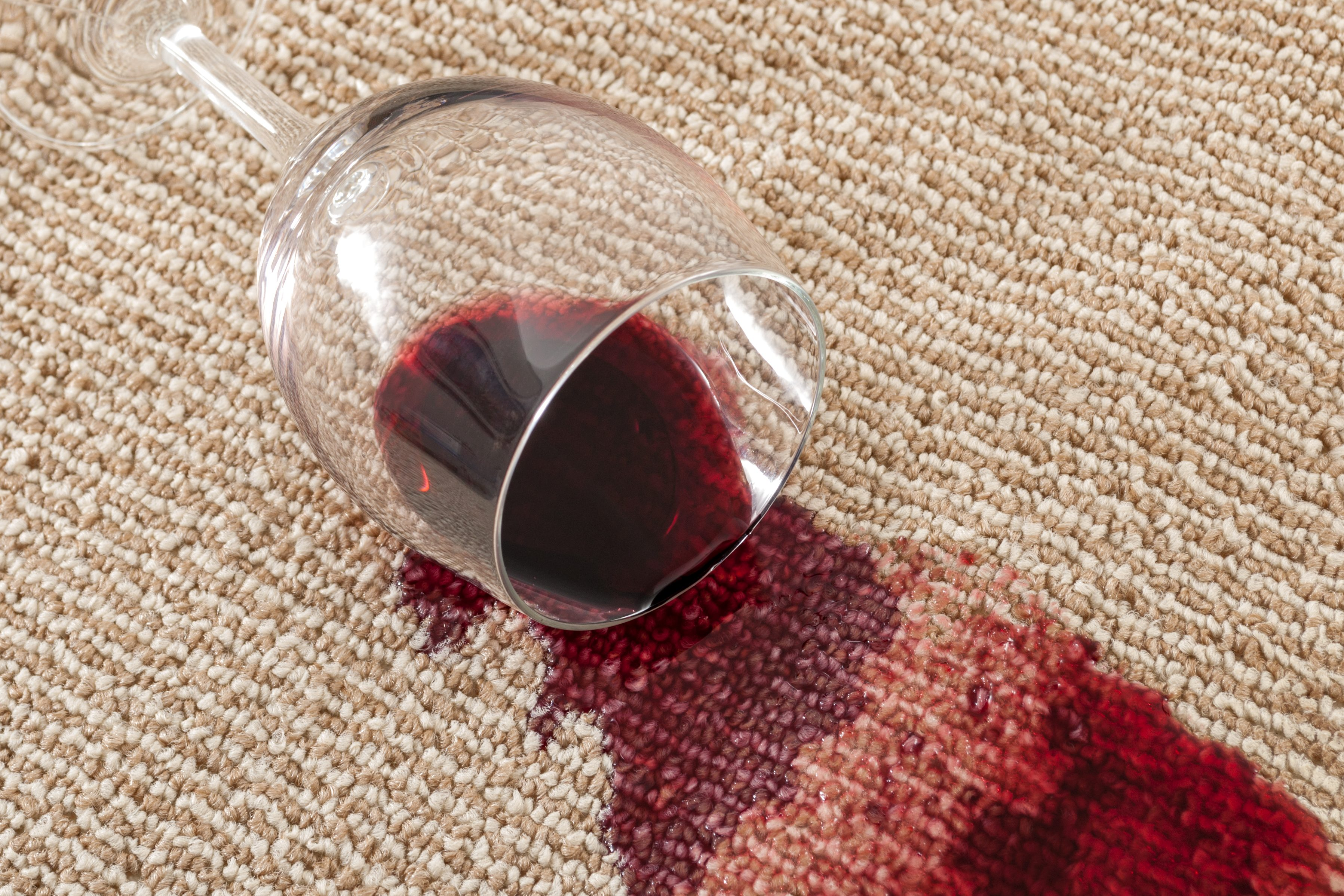 How To Remove Wine Stains All The Most Effective Remedies To Remove Them Cookist Com
