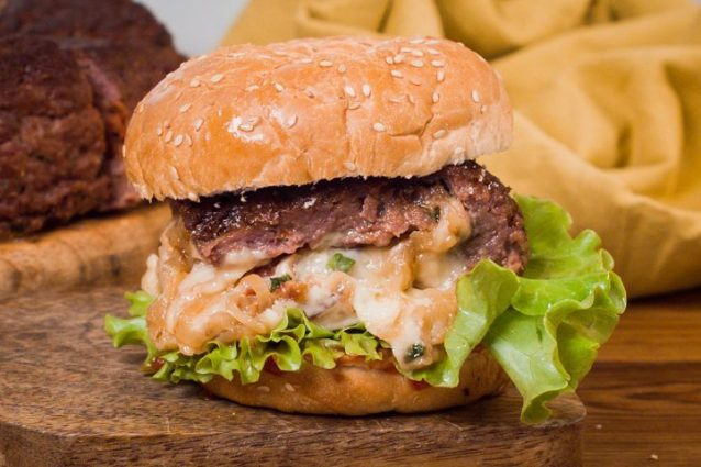 Giant Burger An Easy Ground Beef Dinner Recipe