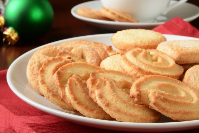 Butter And Vanilla Cookies The Recipe Of Crumbly Treats For Tea Time