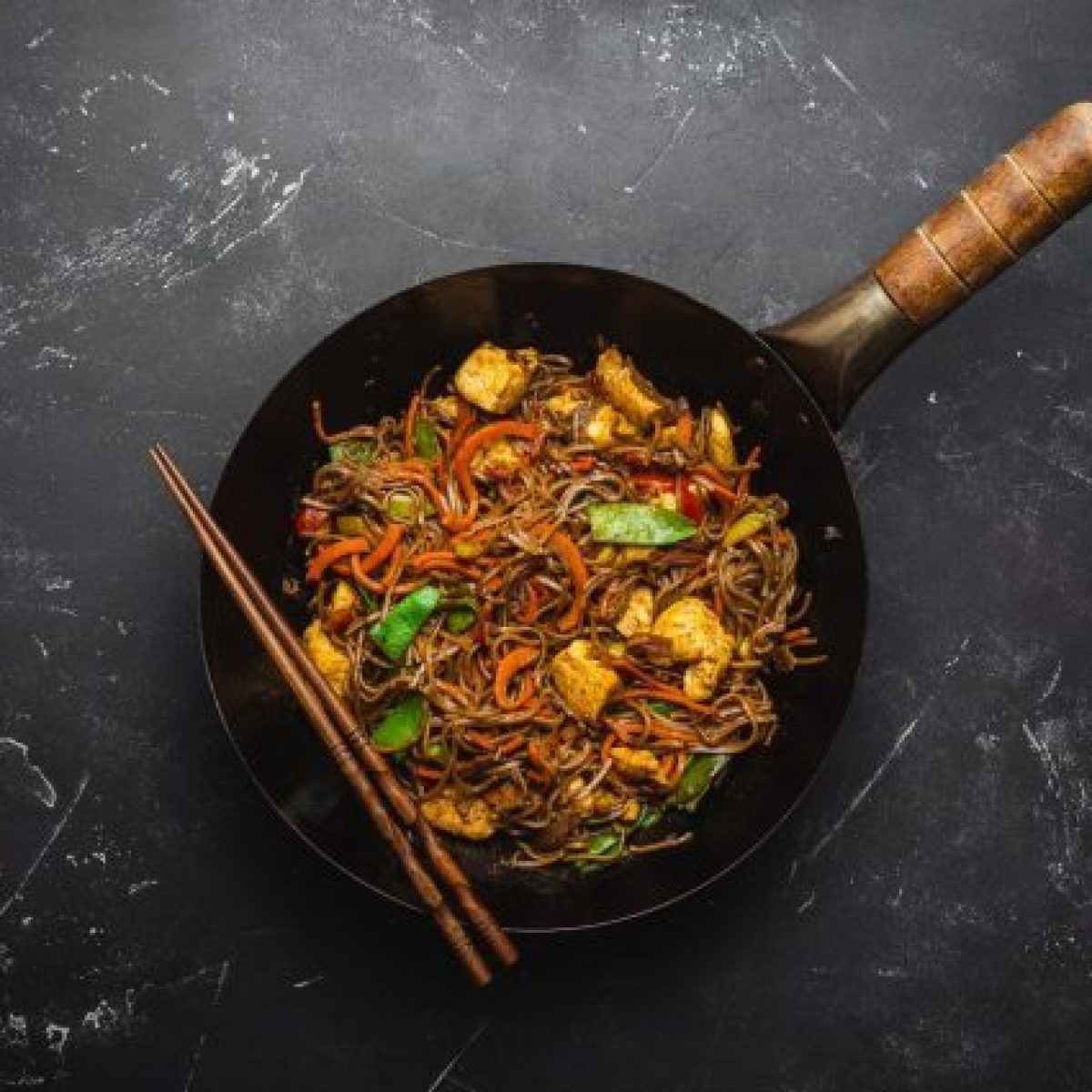 How To Use The Wok The Secrets Of The Chinese Saucepan And 5 Recipes To Try