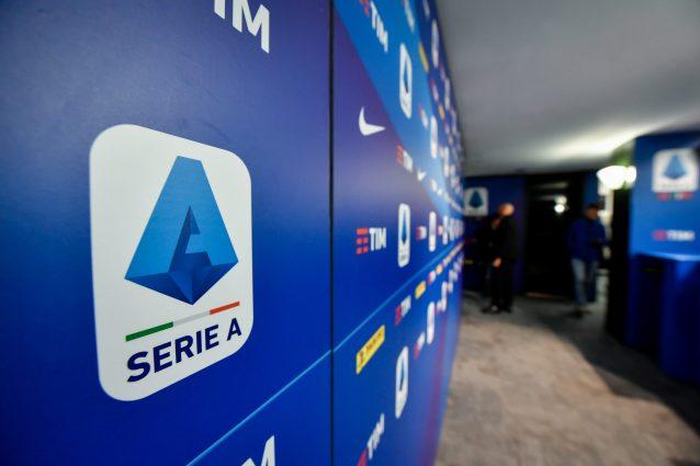 Serie A, accordo dei club sul taglio agli stipendi dei calci