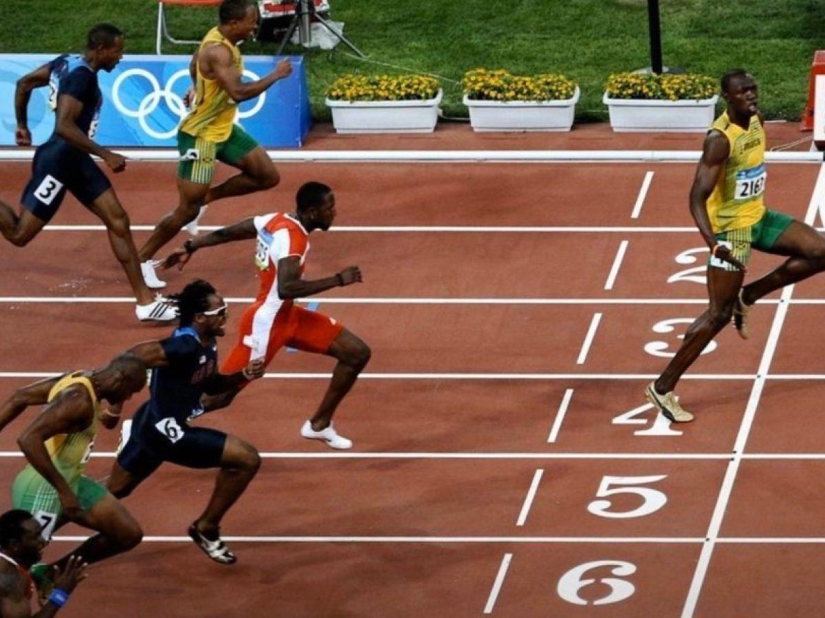 La foto ironica di Usain Bolt sull'importanza del distanziamento sociale  per il Covid-19