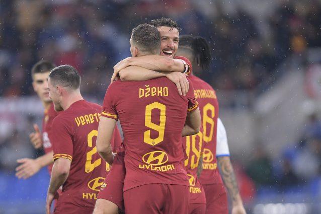 """Dzeko: """"La fascia da capitano? Un onore dopo Totti e De Ross"""