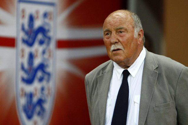 Jimmy Greaves: ex stella del calcio inglese, ricoverato d'ur