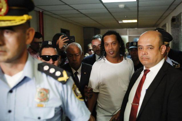 Ronaldinho, il periodo di detenzione in prigione può protrar