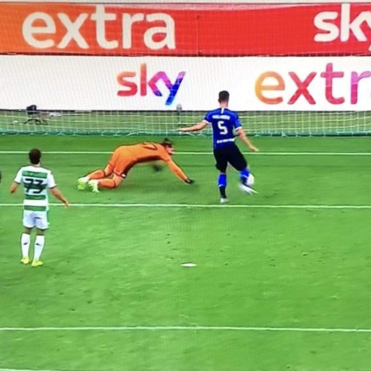L'incredibile gol sbagliato da Gagliardini durante Inter-Sassuolo