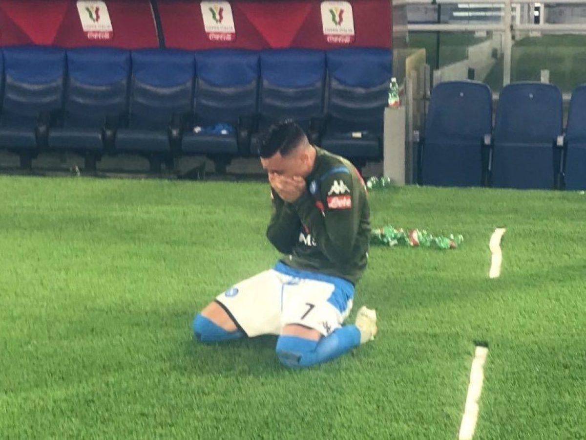 Callejon da solo in lacrime mentre il Napoli festeggia la Coppa Italia