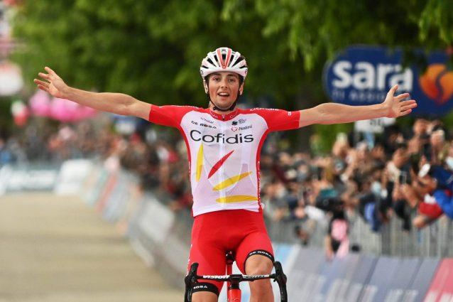 12945911 large 1621091515891 638x425 - Victor Lafay vince l'ottava tappa del Giro d'Italia davanti a Gavazzi: Valter resta maglia rosa