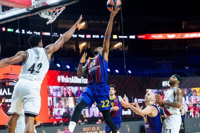 E2gNarnWYAMmvZ8 638x425 - Eurolega, beffa enorme per l'Olimpia Milano che perde all'ultimo secondo con il Barcellona